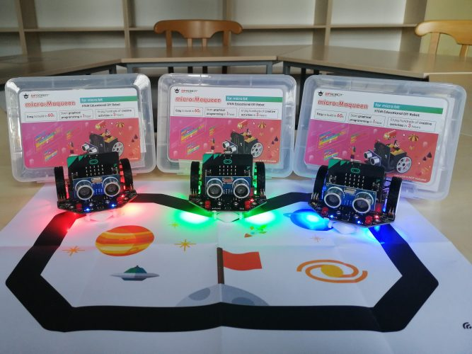 micro:maqueen roboti